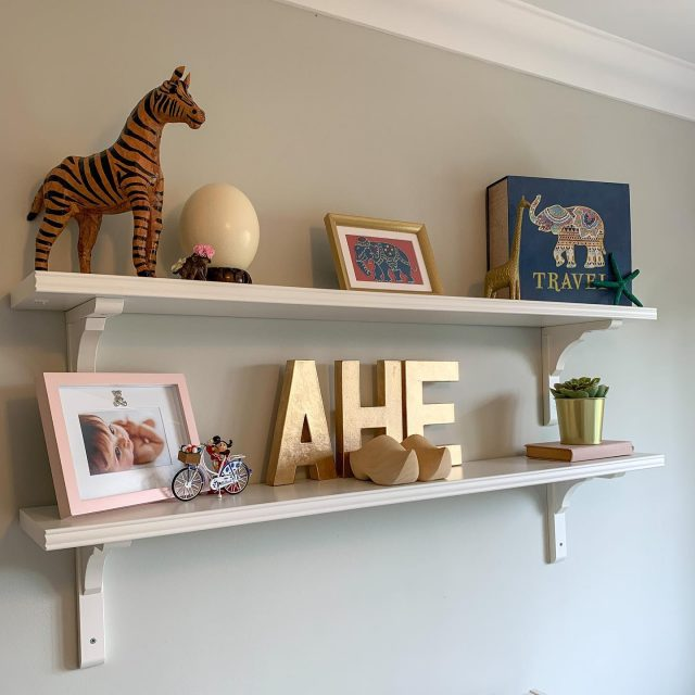 Shelf switch up!  We might not be travelling again for a while but I updated Aurelia's bedroom shelves with some of her travel souvenirs today. (The items are definitely getting less stylish now she's started choosing what she wants to bring back - the green starfish is a prime example 😂)  Swipe left for more animal/travel inspiration. . . . . . #bedroomideas #bedroomtoddler #toddlerroom #safarinursery